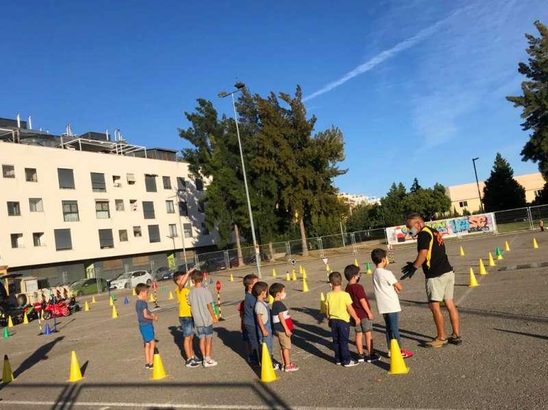 Los jóvenes disfrutan del festival en Foios. EPDA