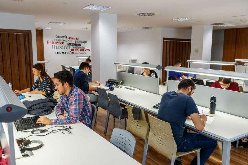 Sala de estudio de La Fábrica de Mislata. EPDA