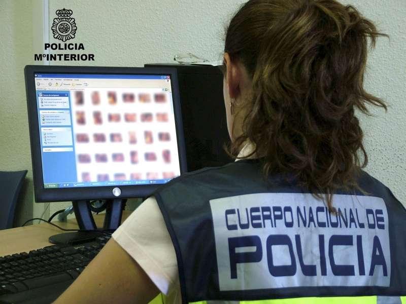 La Policía Nacional, en una operación contra la pedofilia. EFE/Archivo
