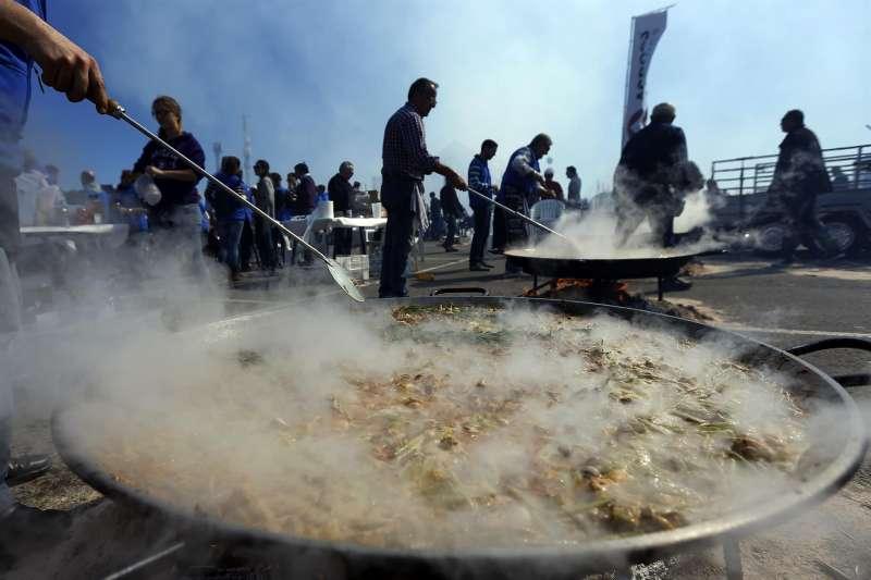Imagen de un concurso internacional de paellas.