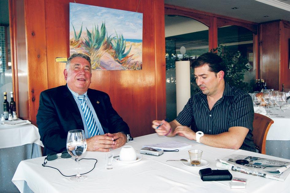 Entrevista que concedió Sancho a El Periódico de Aquí en el restaurante Jesús Lord.