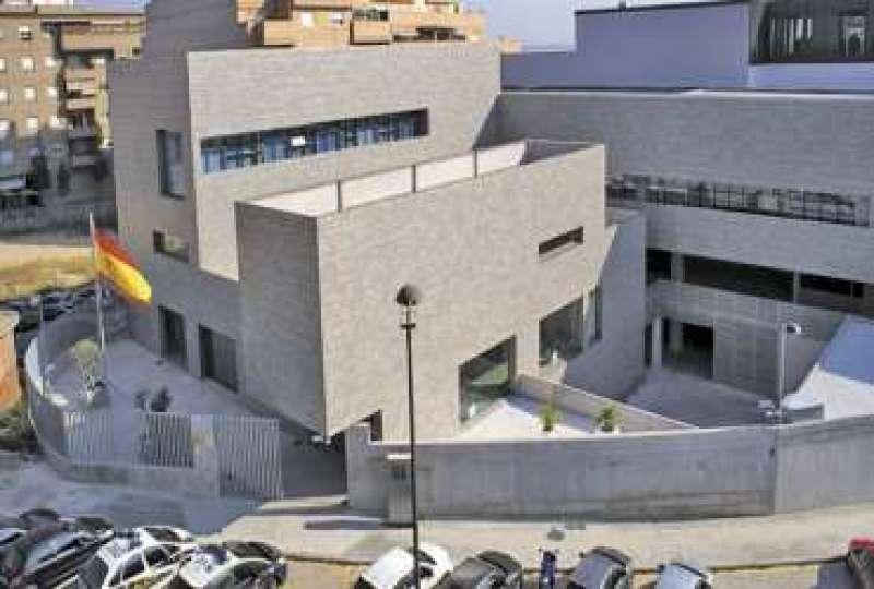 La comisaría de Paterna donde está el servicio para renovar el DNI. / EPDA