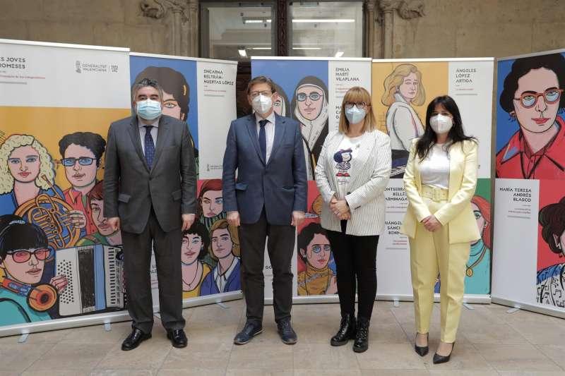 El president de la Generalitat, Ximo Puig, en la muestra