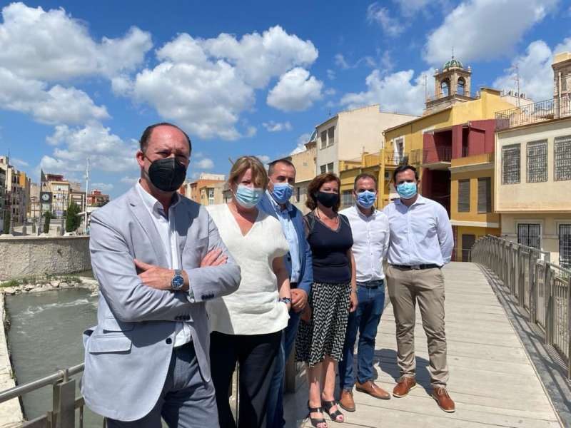 Ana Serna con los alcaldes/EPDA