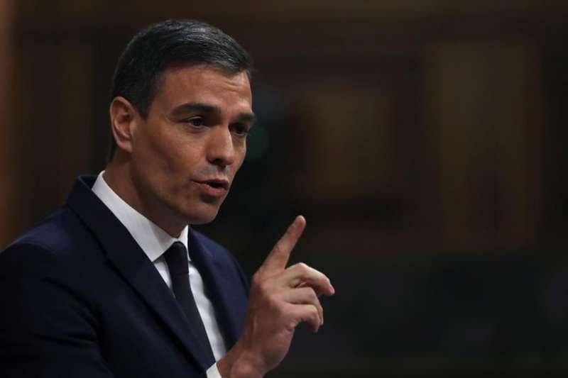 El presidente del Gobierno, Pedro Sánchez, durante el pleno del Congreso que vota este miércoles. EFE