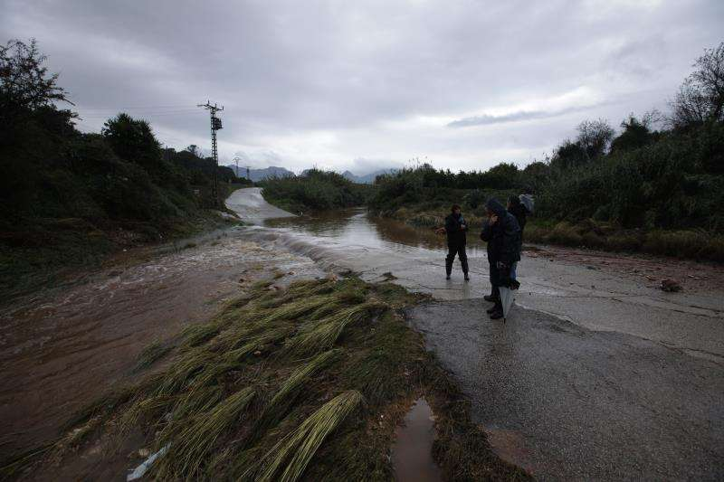 Zona de Palma de Gandia, cerca de Real, impracticable por las lluvias. EFE