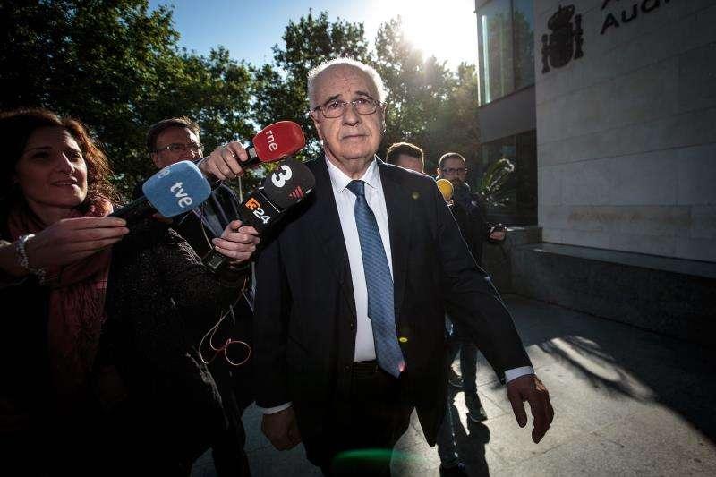 El exconseller del PP Rafael Blasco, a su llegada a la Ciudad de la Justicia de València, donde se enfrenta al segundo juicio del caso Cooperación por el desvío de fondos públicos destinados a proyectos de cooperación internacional. EFE