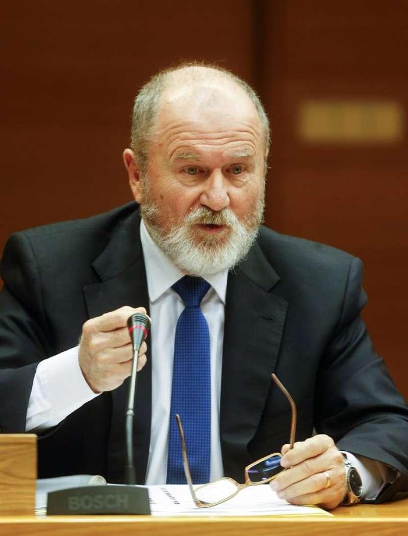 El expresidente de Les Corts Alejando Font de Mora. EFE