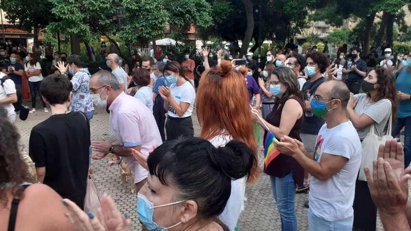 Los colectivos LGTB de València han celebrado una concentración este sábado para