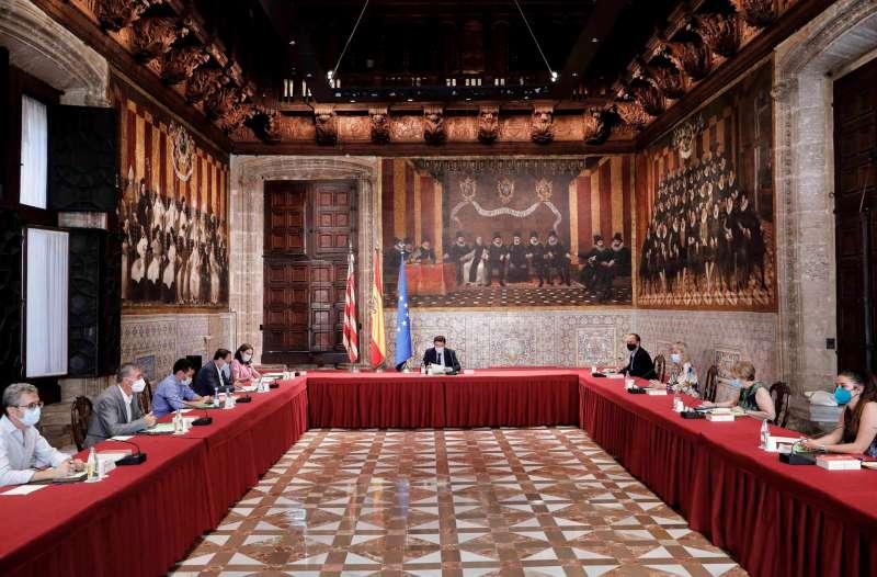 El president de la Generalitat, Ximo Puig, preside el Pleno extraordinario del Consell