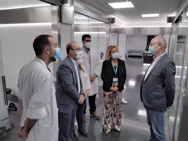 Los alcaldes de Alzira y Carcaixent, Diego Gómez y Paco Salom han visitado las obras de remodelación