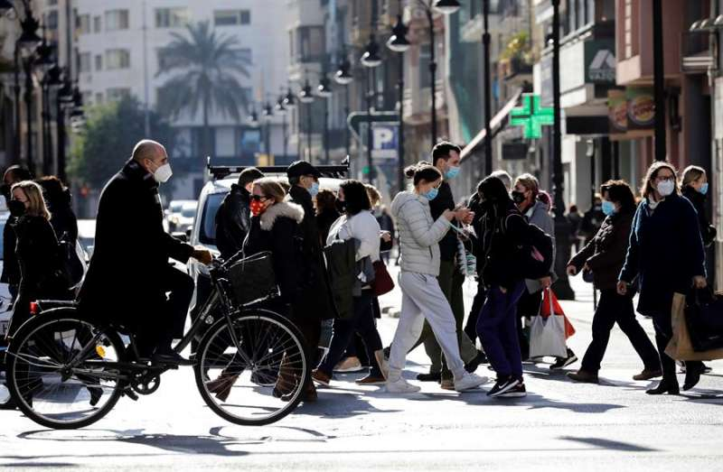 Imagen de un cruce de peatones en València.EFE/ Ana Escobar.
