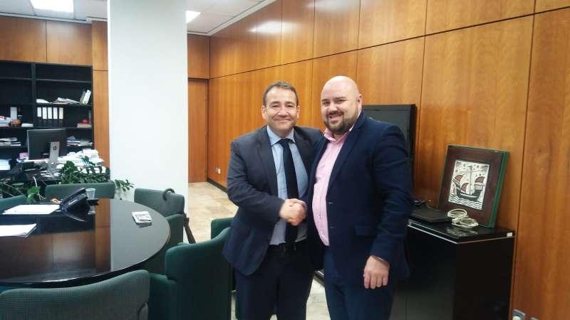 El alcalde de Gilet con el presidente del IVF. EPDA