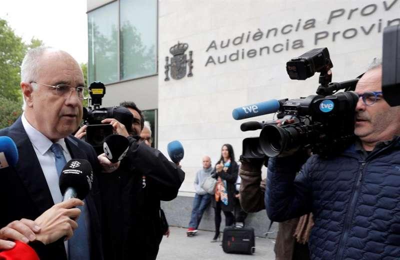 El exconseller de Cooperación Rafael Blasco, a su llegada a los juzgados de Valencia. EFE