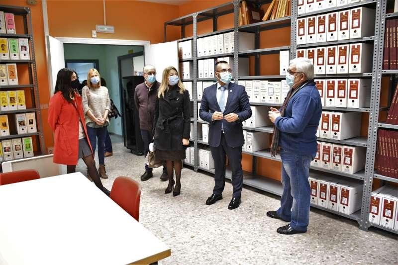 Representantes de conselleria con el alcalde de la ciudad