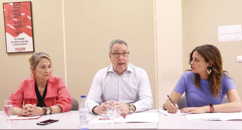 Sandra Gómez,Inmaculada Rodríguez-Piñero y Arturo León
