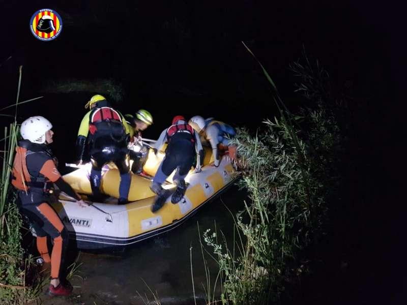 Un momento del rescate en una fotografía facilitada por el Consorcio de Bomberos de Valencia.