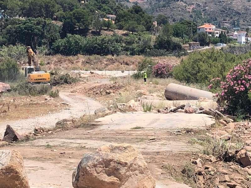 Obras para reconstruir el badén en el lecho del río Palancia entre Gilet y Petrés. EPDA