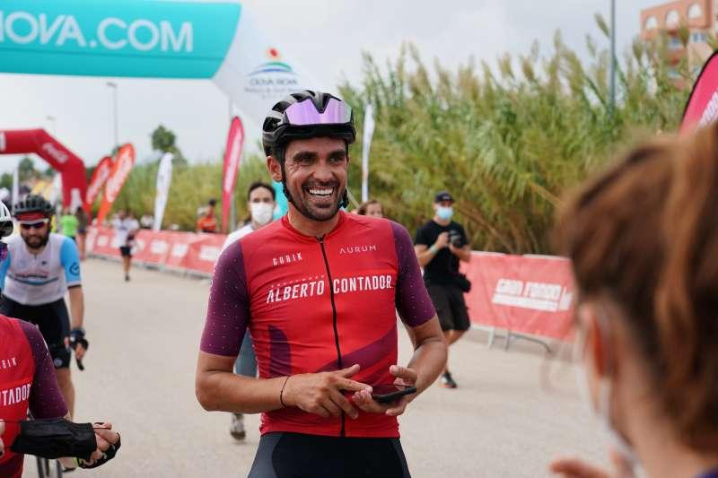 Alberto Contador en la meta. EPDA